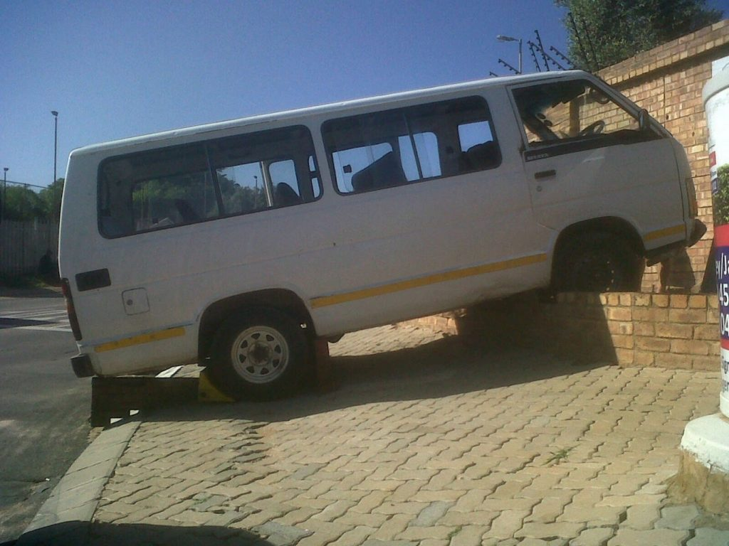 Randburg taxi accident leaves one injured