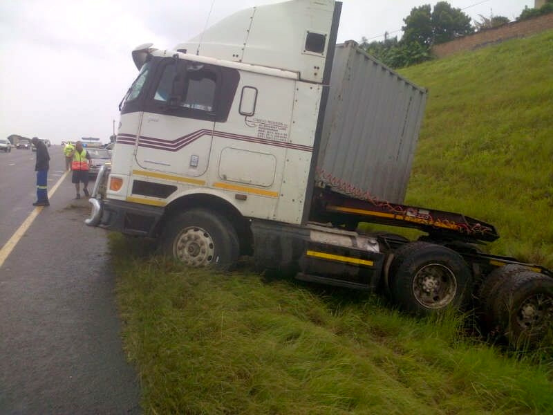 Truck Accident on the N2 South bound past Umhlanga off ramp leaves 1 Injured