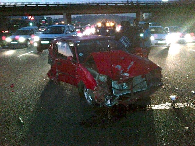 2 Injured After Car Collides With Truck On N2