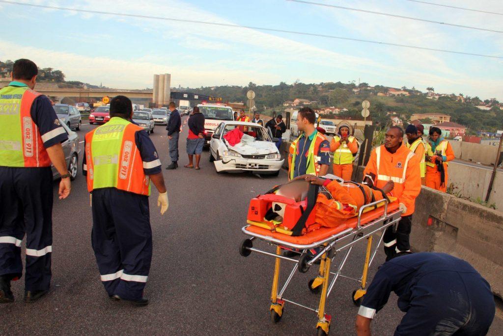 N2 Umgeni road crash leaves one dead - one critically injured