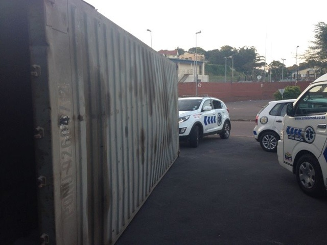 2 Workers Injured After Container Collapses on North Coast Road