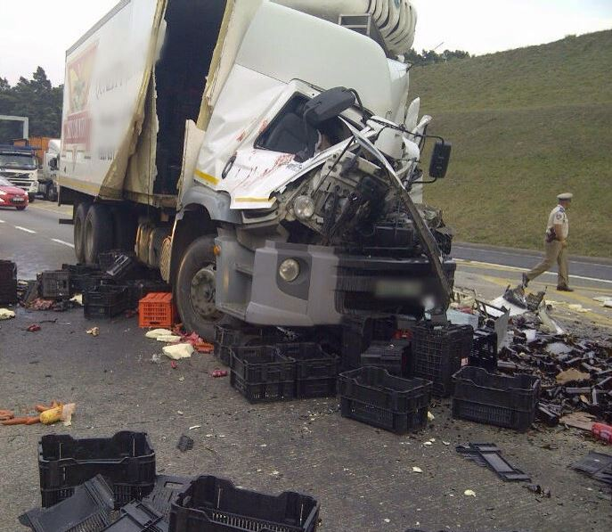 Two trucks collide on the N3