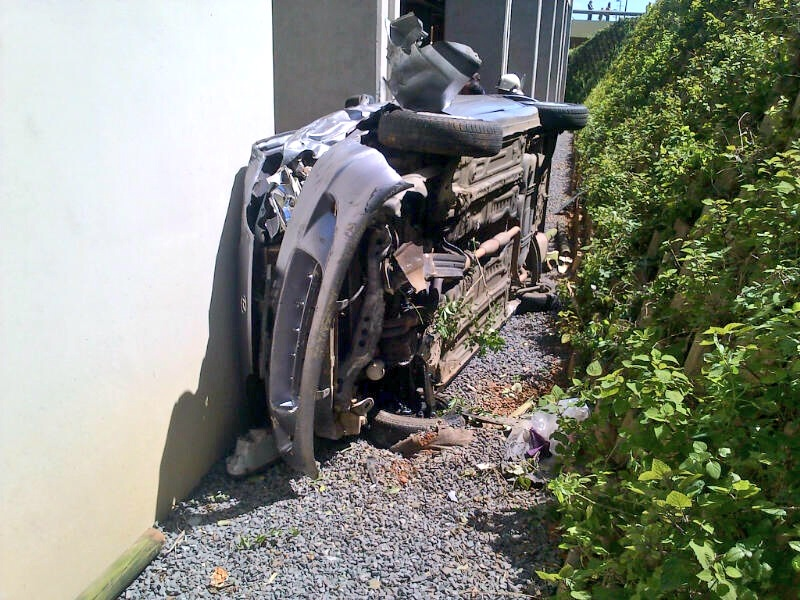 Car Plunges Off Road Into Basement near the Gateway Shopping complex [Photos]
