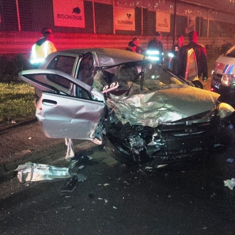 Late night collision leaves 1 dead, 2 injured