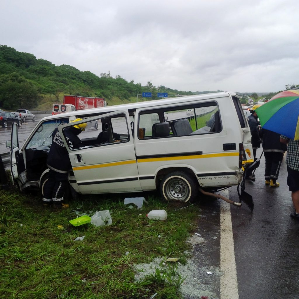 18 people injured in 3 car pile up after Spaghetti Junction in Durban