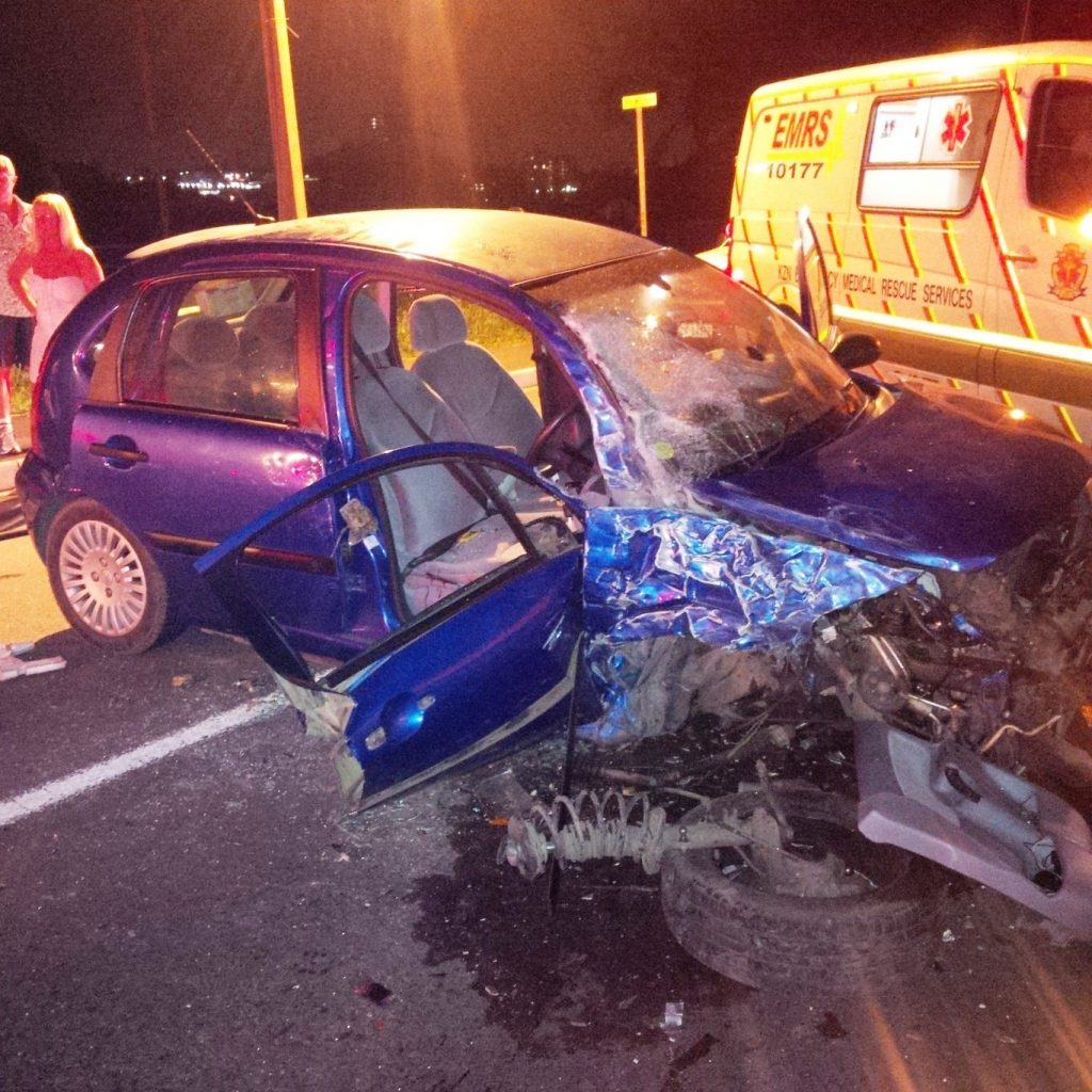 Late night collision leaves 3 injured, Durban