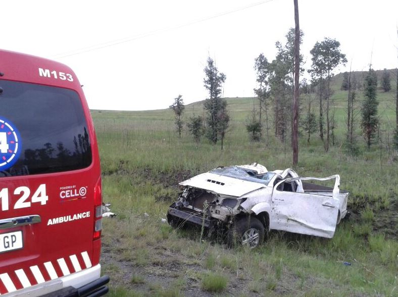 Bakkie overturns numerous times near Newcastle killing passenger who was ejected