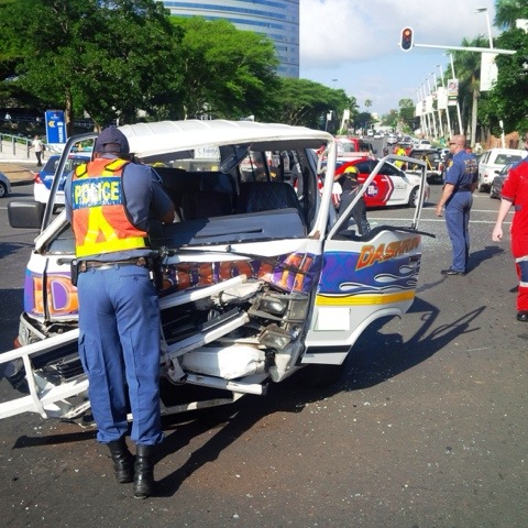 Early morning accident leaves 9 injured