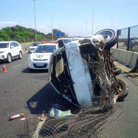 Taxi rolls leaving 13 injured on M4 Durban bound