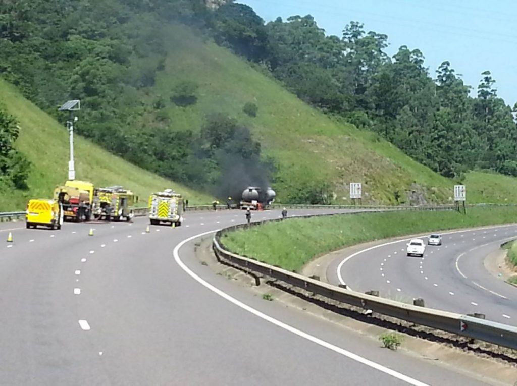 Quick action by driver of petroleum truck prevents further danger as truck catches fire