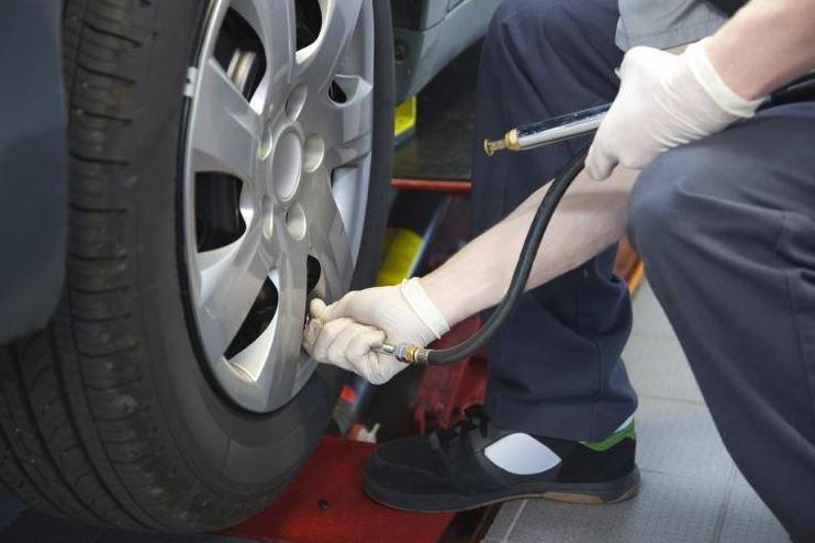 Bridgestone calls on motorists to make Tyre Safety a 2014 Habit