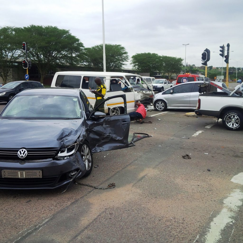 Taxi collision leaves 14 injured at the intersection of Umgeni Road and Supply Road