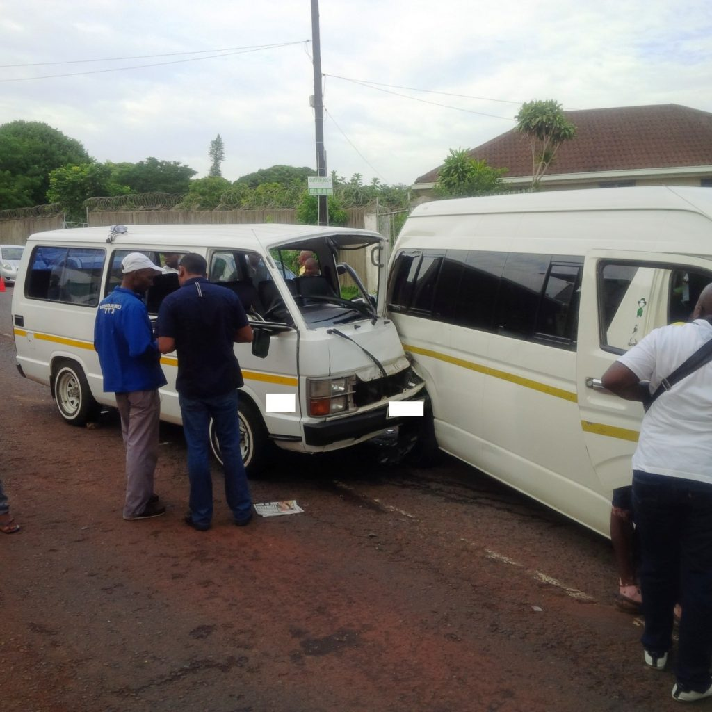 Taxi collision leaves 10 injured Durban