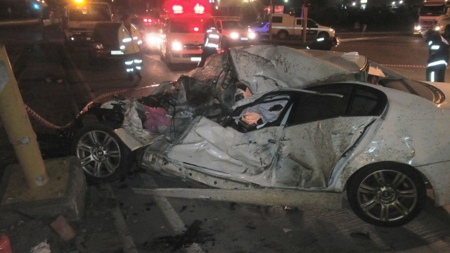 Late night collisions in Durban leave 2 dead