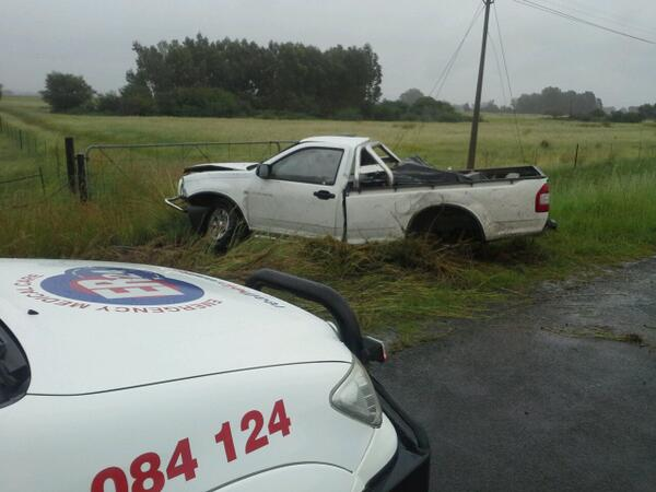 One man injured in bakkie collision on the R26 Dealleville road in Bloemfontein