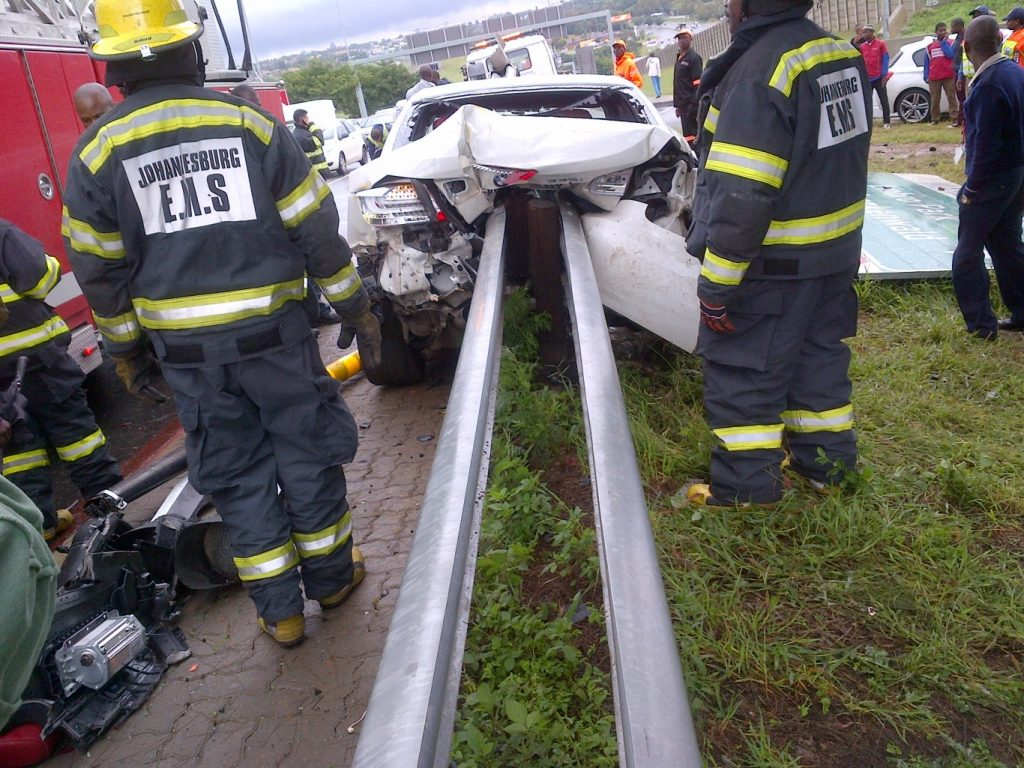 Think when driving in the wet -not everyone is as lucky as this driver!!