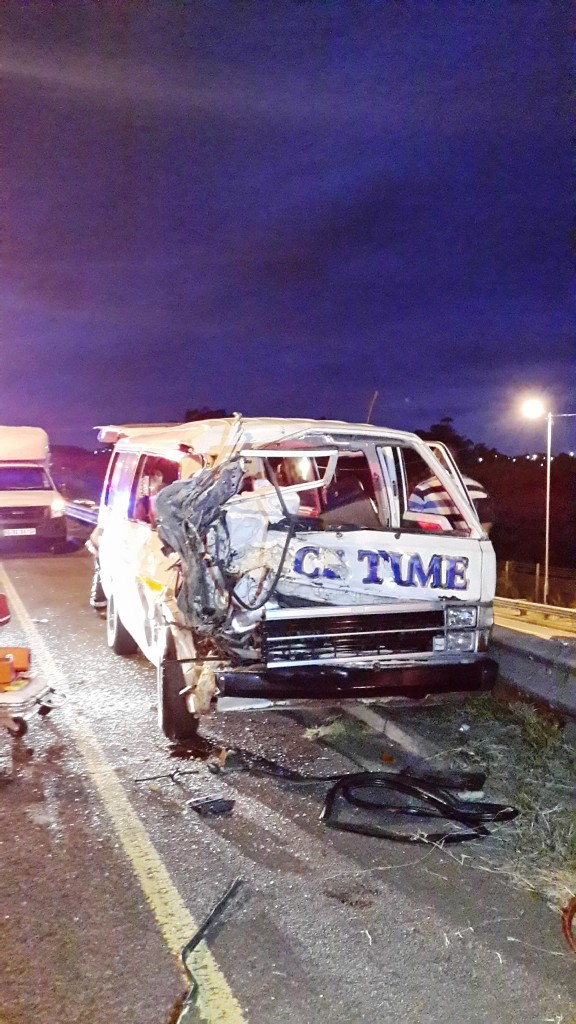 15 hurt in taxi accident on the M4 South bound before Umlazi