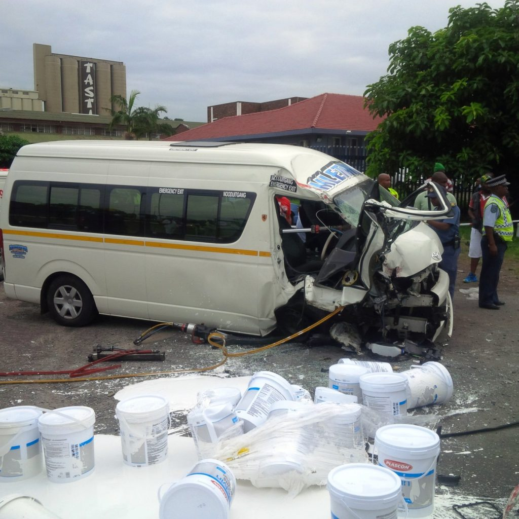 Taxi collision leaves 10 injured