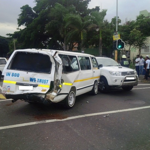 Bus collides with 5 cars Durban