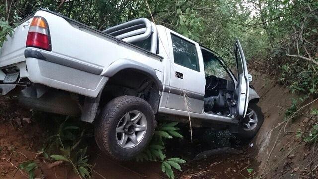 N2 South Winklespruit crash leaves two injured