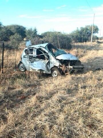 One killed and two injured as vehicle overturns 60km from Kimberley