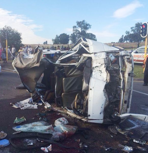 Photos from early morning serious taxi collision in Midrand