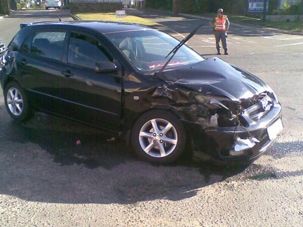 KZN Umvoti car crash into barrier leaves three injured