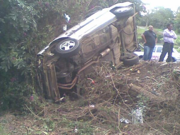 Crash into pedestrians on the R102 near Walter Reid Road in Tongaat injures five