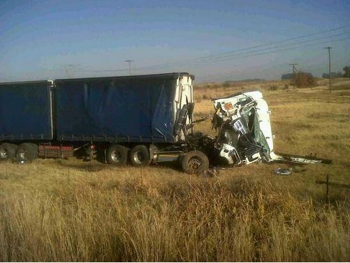N1 Ventersburg rear-end truck collision leaves one critically injured