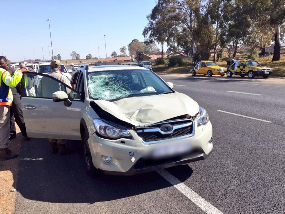 Pedestrian hit by SUV critically injured on the N12 near Daveyton