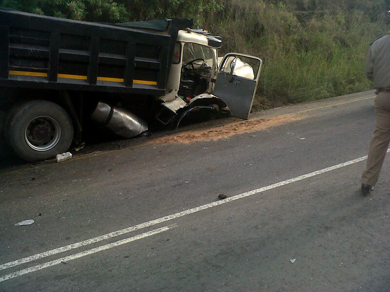 Fatal collision on the R102 near Stanger [Photos]