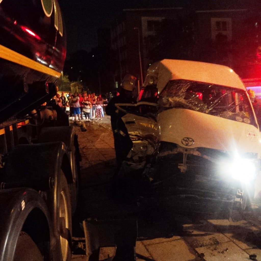 Taxi and truck collide killing 1 injuring 10 on the corner of Sydney Road and Bayhead Road