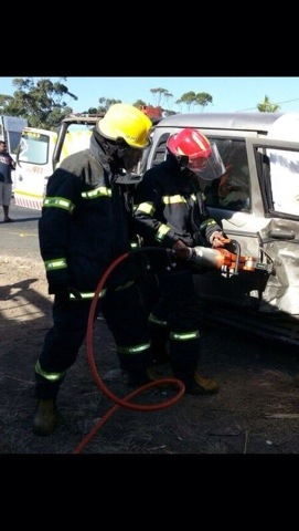 KZN Kwa-Dukuza side impact collision leaves two injured
