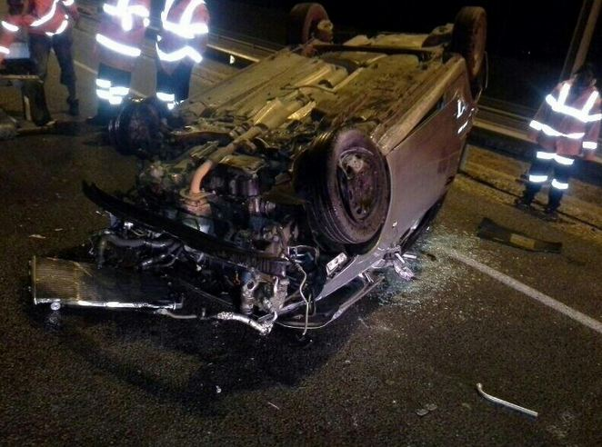Benoni vehicle rollover leaves one injured