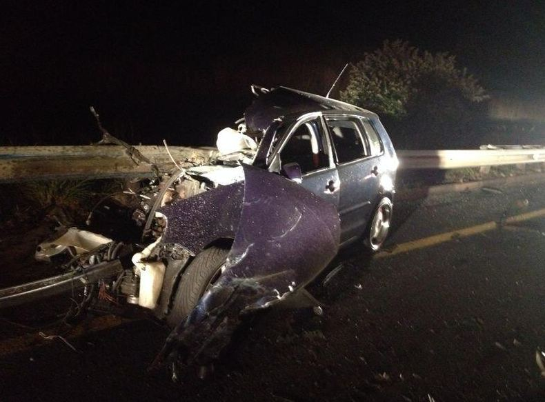 Uvongo R61 road crash leaves three dead