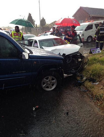 Family of three injured in JHB West collision