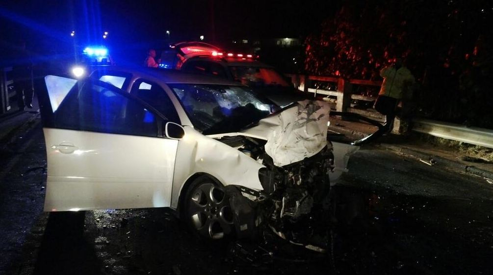 KZN south coast head-on collision leaves one dead-one injured