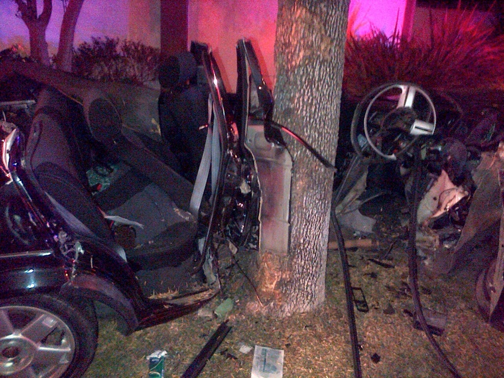Young driver critical after crashing into tree in Bloemfontein