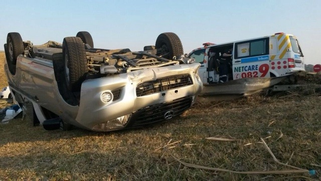 N2 Hibberdene vehicle rollover leaves three injured