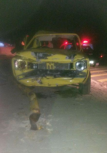 Man injured when vehicle collided with a dustbin and two traffic lights at Centurion intersection
