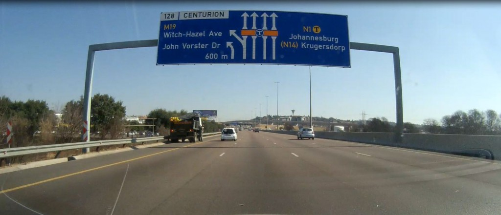 How and where can I check for traffic fines in Tshwane and Johannesburg Metros?