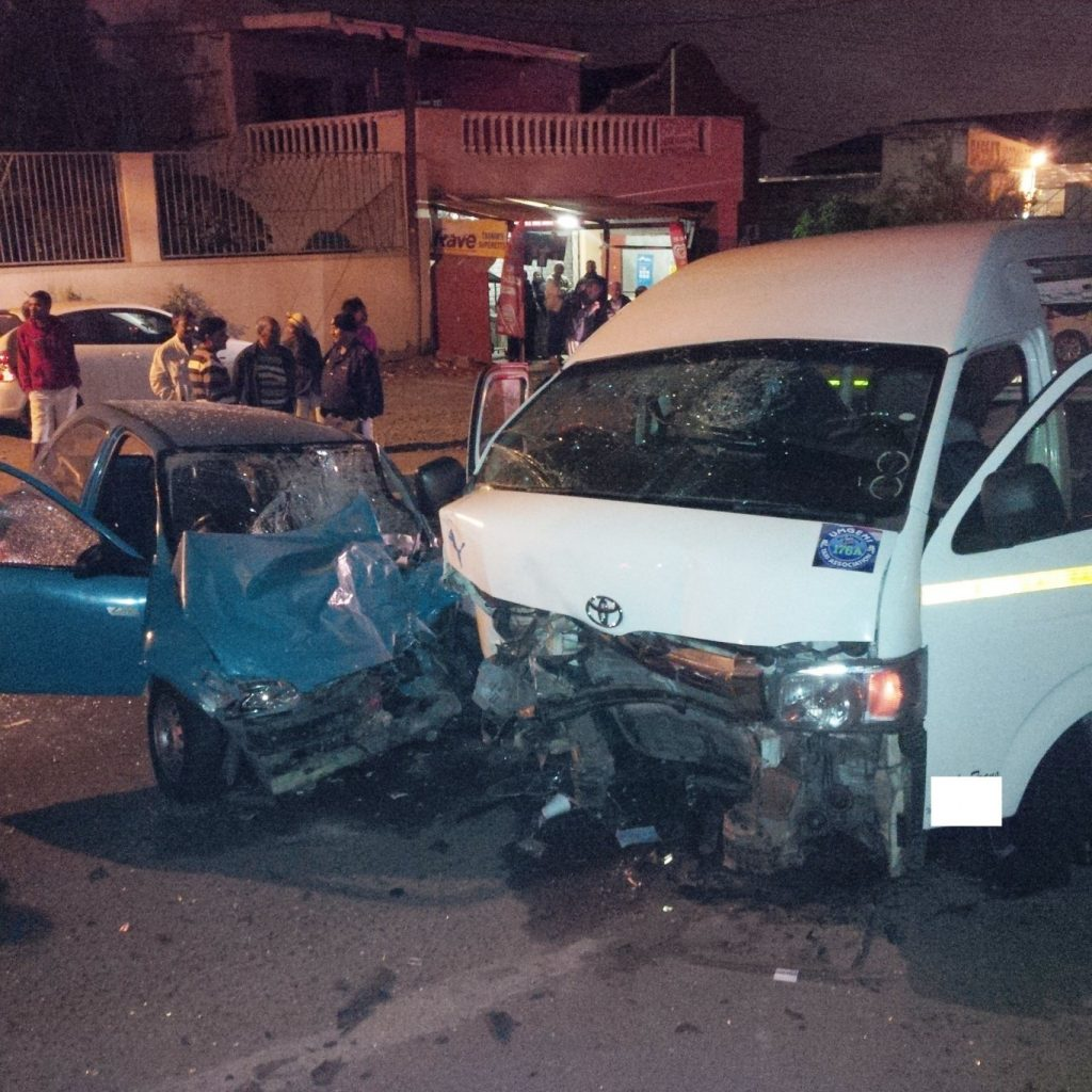 Head on collision on Inanda road leaves 21 injured, 1 critical