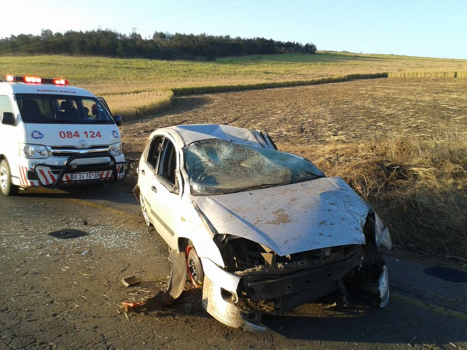 Two injured in vehicle rollover along the R604 between Eston and Pietermaritzburg