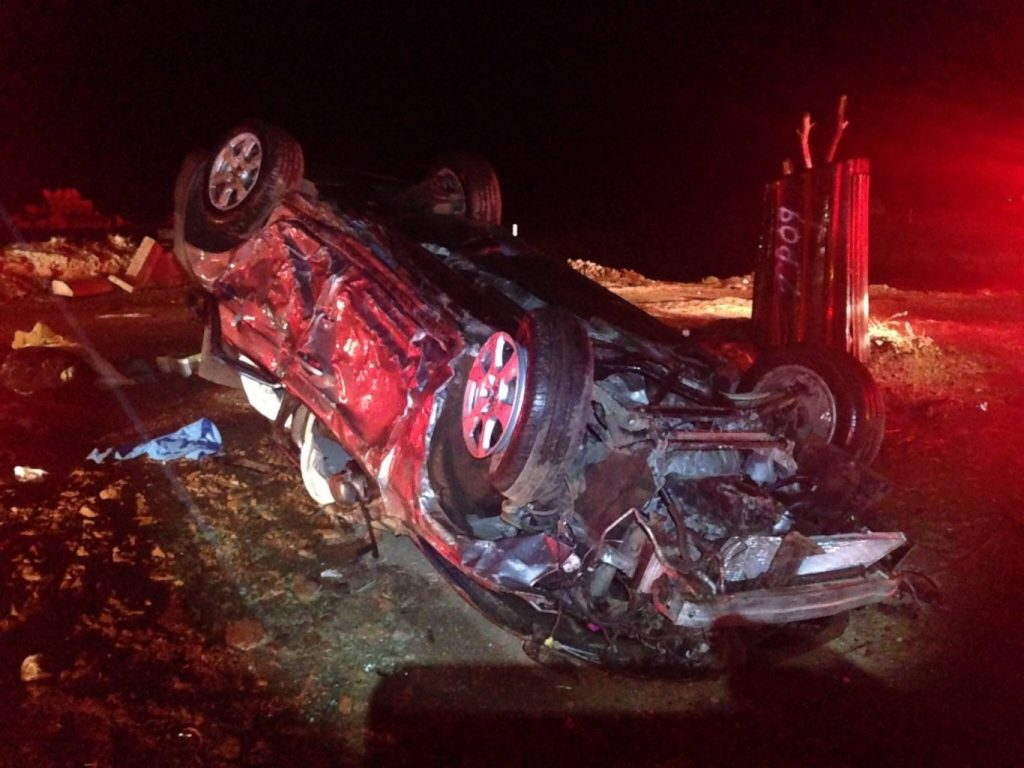 Vehicle rollover on N6 20km outside Bloemfontein kills 2 and injures 5