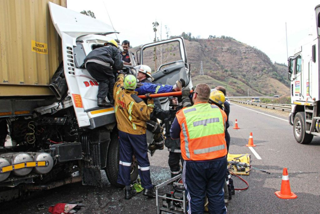 N3 south Shongweni truck collision leaves one injured