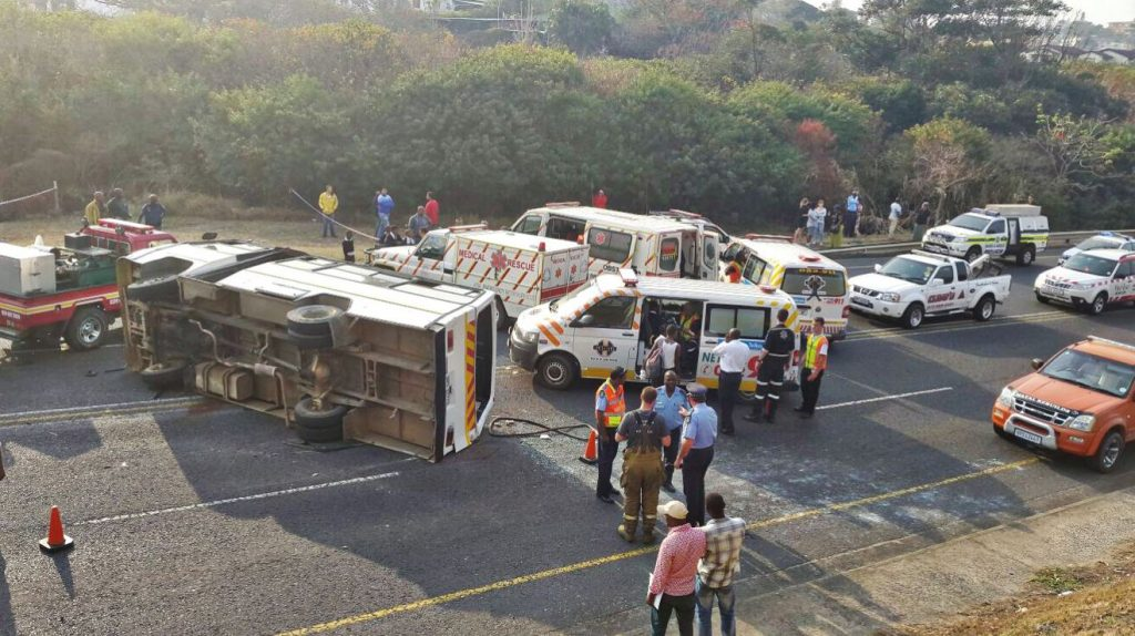Report from scene where school bus overtuned on the N2 in Port Shepstone