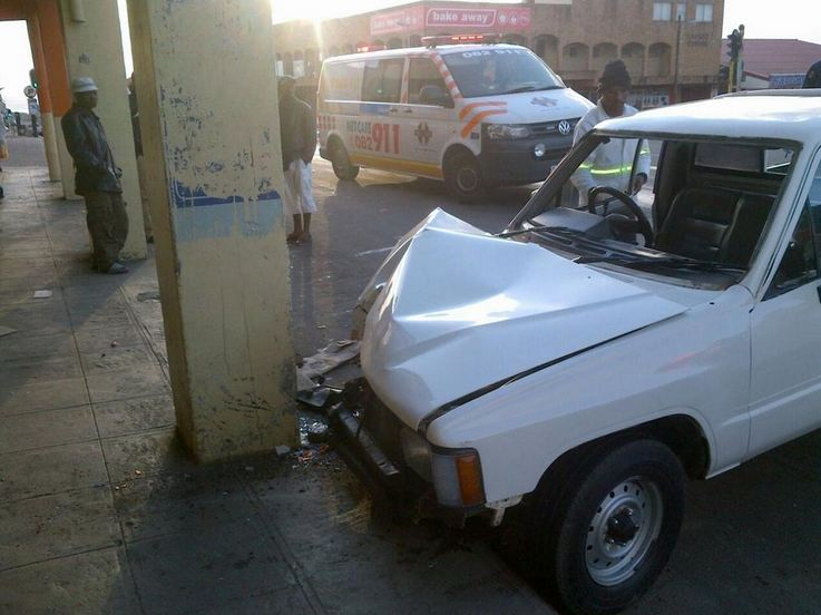 R102 Port Shepstone accident leaves three injured