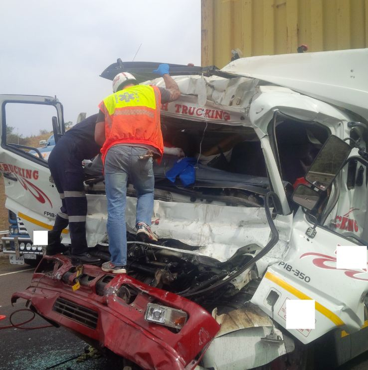 Truck crash leaves driver seriously injured on the N3 Durban bound before Marianhill Toll Plaza
