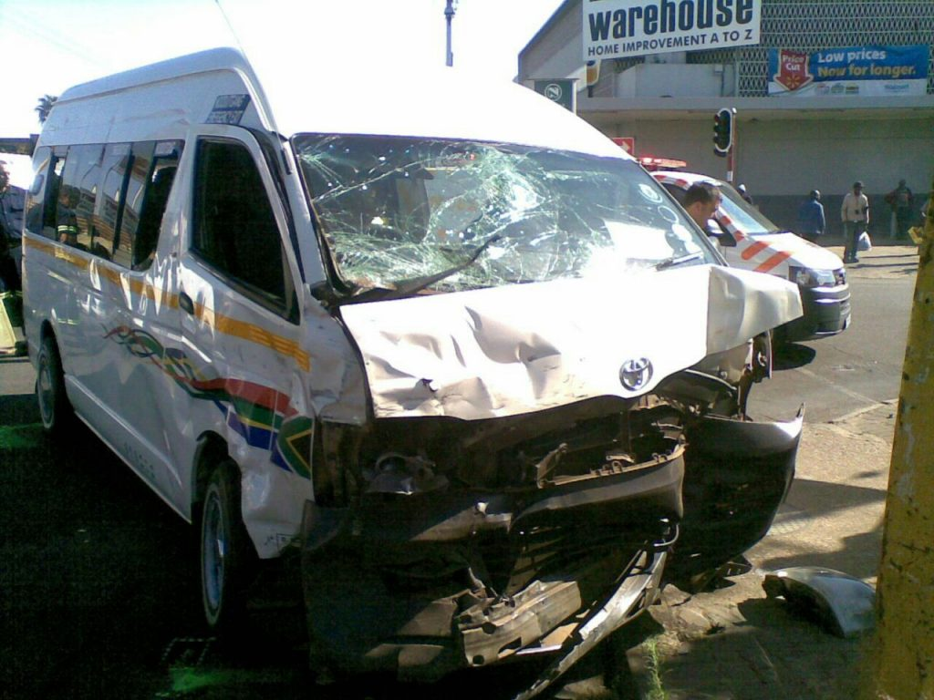 Pretoria Gezina minibus collision leaves four injured