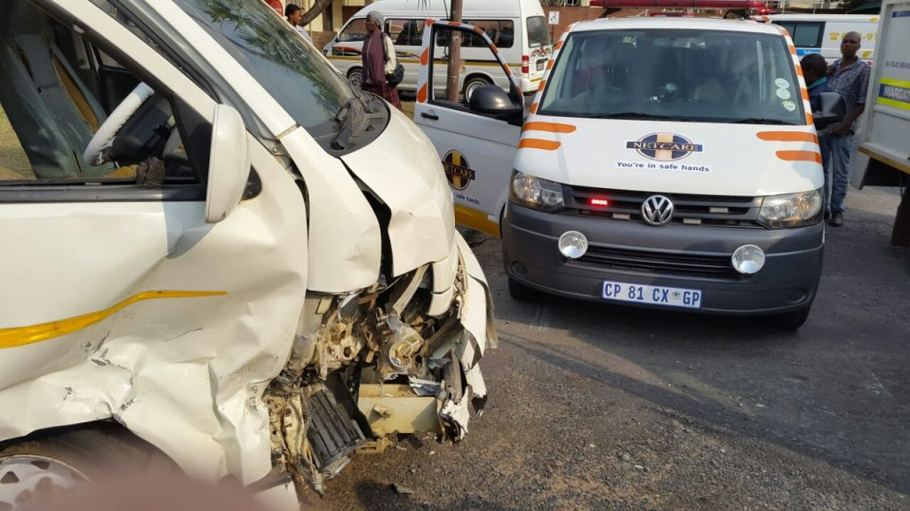 Two injured as bakkie overturned on the R56 near Richmond